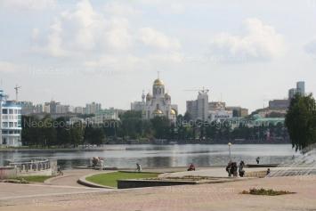 На фото видно: Толмачёва улица, 34 (Храм-на-Крови). Екатеринбург (Свердловская область)