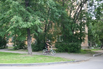На фото видно: Машиностроителей улица, 31. Екатеринбург (Свердловская область)