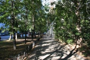 View to: Pervomaiskaya street, 68; Pervomaiskaya street, 69. Yekaterinburg (Sverdlovskaya oblast)