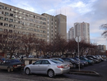 На фото видно: Начдива Васильева улица, 1/3; Серафимы Дерябиной улица, 37. Екатеринбург (Свердловская область)