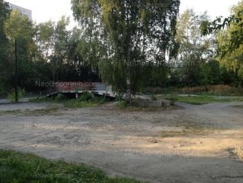 На фото видно: Библиотечная улица, 52; Библиотечная улица, 54; Библиотечная улица, 56. Екатеринбург (Свердловская область)