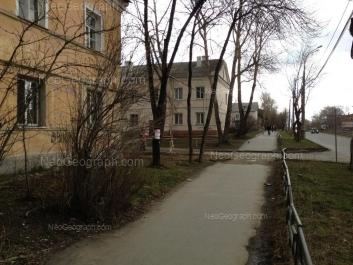 На фото видно: Техническая улица, 52; Техническая улица, 56; Техническая улица, 58. Екатеринбург (Свердловская область)