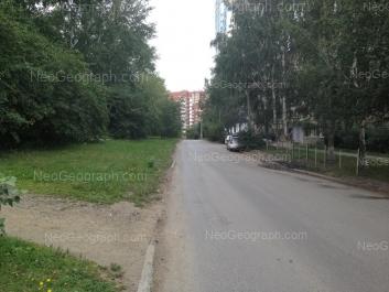 На фото видно: Аптекарская улица, 43; Аптекарская улица, 46; Аптекарская улица, 48 (Чермет плаза, жилой комплекс). Екатеринбург (Свердловская область)