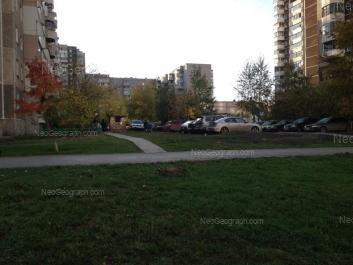 View to: Samotsvetniy boulevard, 4; Samotsvetniy boulevard, 6; 8 Marta street, 185/4; 8 Marta street, 185/2; Akademika Shvartsa street, 2 к2. Yekaterinburg (Sverdlovskaya oblast)