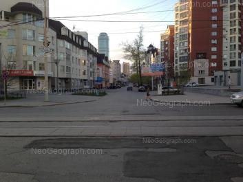 На фото видно: Красноармейская улица, 76; Красноармейская улица, 78; Мамина-Сибиряка улица, 132. Екатеринбург (Свердловская область)