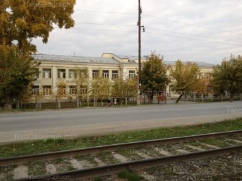 На фото видно: Татищева улица, 78 (Специальная коррекционная школа №73). Екатеринбург (Свердловская область)