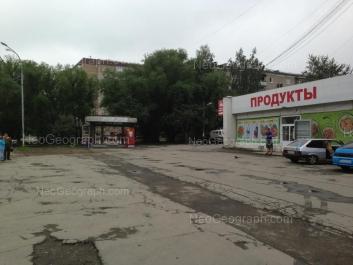 На фото видно: Фрезеровщиков улица, 27; Фрезеровщиков улица, 28; Шефская улица, 85. Екатеринбург (Свердловская область)
