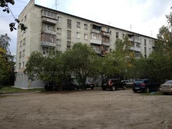 На фото видно: Пальмиро Тольятти улица, 24А. Екатеринбург (Свердловская область)