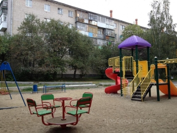 На фото видно: Гурзуфская улица, 9Б. Екатеринбург (Свердловская область)