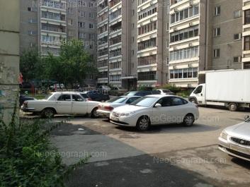 На фото видно: Старых Большевиков улица, 50. Екатеринбург (Свердловская область)
