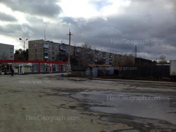На фото видно: Латвийская улица, 38. Екатеринбург (Свердловская область)