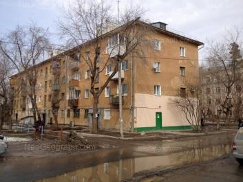 View to: Starikh Bolshevikov street, 9 (Центральная городская больница №23); Stachek street, 5. Yekaterinburg (Sverdlovskaya oblast)