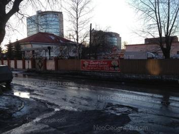 На фото видно: Маяковского улица, 27; Маяковского улица, 27А; Основинская улица, 8. Екатеринбург (Свердловская область)