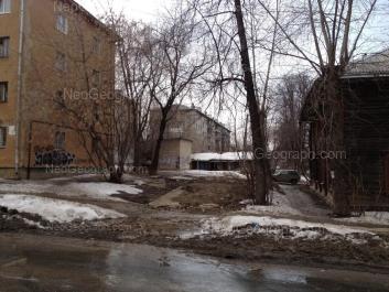 View to: Kalinovskiy lane, 11 (Детская городская больница 15, поликлиника номер 2, отделение 5); Kalinovskiy lane, 13; Korepina street, 24; Stachek street, 5; Stachek street, 7. Yekaterinburg (Sverdlovskaya oblast)