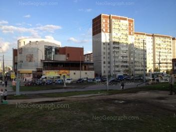 На фото видно: Родонитовая улица, 2 к1; Родонитовая улица, 2 к2; Родонитовая улица, 4. Екатеринбург (Свердловская область)