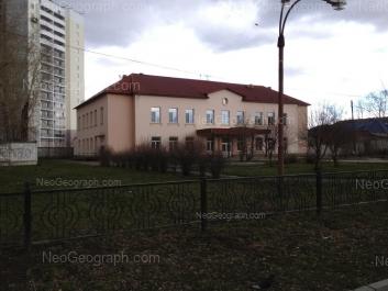 На фото видно: Сортировочная улица, 11; Техническая улица, 54 (Музыкальная школа №7). Екатеринбург (Свердловская область)