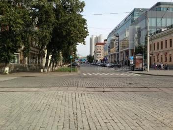 На фото видно: Ленина проспект, 25 (Европа, торговый центр). Екатеринбург (Свердловская область)