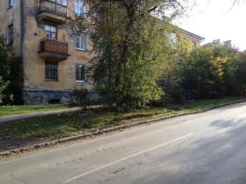 View to: Alpinistov street, 2; Borodina street, 24. Yekaterinburg (Sverdlovskaya oblast)
