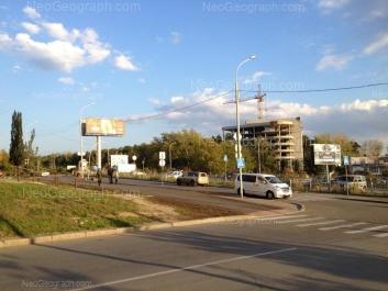 На фото видно: Репина улица, 40А; Репина улица, 42. Екатеринбург (Свердловская область)