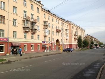 На фото видно: Заводская улица, 32/2; Заводская улица, 32/1. Екатеринбург (Свердловская область)