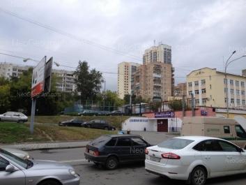 На фото видно: Гурзуфская улица, 28; Гурзуфская улица, 30; Радищева улица, 63. Екатеринбург (Свердловская область)