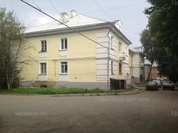 На фото видно: Старых Большевиков улица, 26. Екатеринбург (Свердловская область)
