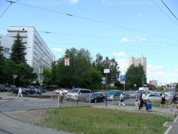 На фото видно: Волгоградская улица, 191. Екатеринбург (Свердловская область)