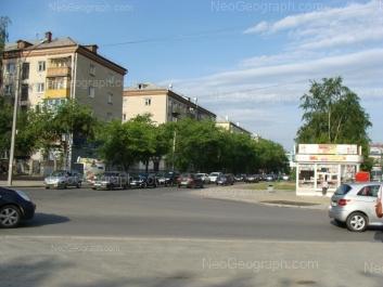 На фото видно: Большакова улица, 153; Большакова улица, 155; Большакова улица, 157. Екатеринбург (Свердловская область)