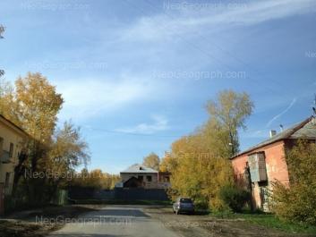 На фото видно: Ремесленный переулок, 11; Ремесленный переулок, 12; Агрономическая улица, 52 (Детский сад №402). Екатеринбург (Свердловская область)