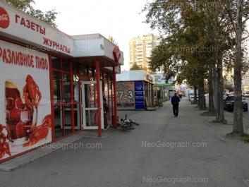 На фото видно: Викулова улица, 38Б. Екатеринбург (Свердловская область)