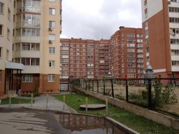 На фото видно: Чайковского улица, 16; Чапаева улица, 21; Чапаева улица, 23. Екатеринбург (Свердловская область)