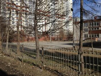 View to: Sedova avenue, 28 (Школа №170); Tavatuiskaya street, 1г. Yekaterinburg (Sverdlovskaya oblast)