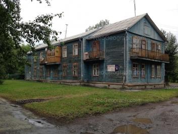 На фото видно: 40-летия Октября улица, 39. Екатеринбург (Свердловская область)