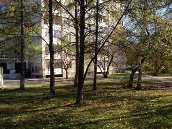 View to: 40-letiya Oktiabrya street, 46. Yekaterinburg (Sverdlovskaya oblast)