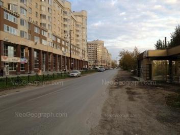 На фото видно: Татищева улица, 90; Татищева улица, 98. Екатеринбург (Свердловская область)