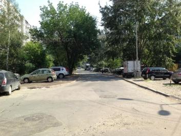 На фото видно: Стахановская улица, 14; Стахановская улица, 27. Екатеринбург (Свердловская область)
