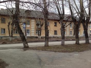 На фото видно: Прибалтийская улица, 21. Екатеринбург (Свердловская область)