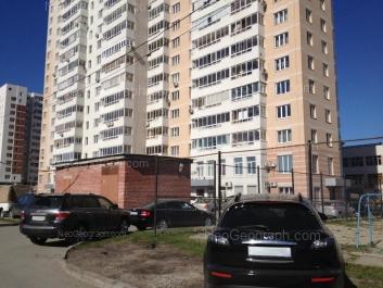 View to: Vogogradskaya street, 178; Yasnaya street, 31; Yasnaya street, 33. Yekaterinburg (Sverdlovskaya oblast)