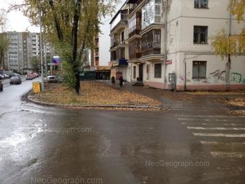 На фото видно: Белинского улица, 218 к1; Саввы Белых улица, 3. Екатеринбург (Свердловская область)