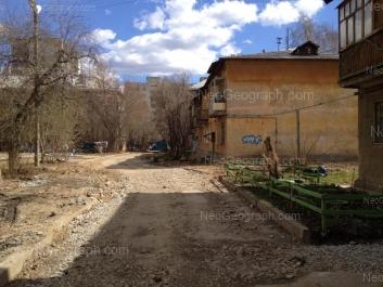 На фото видно: Блюхера улица, 57; Блюхера улица, 59А; Блюхера улица, 61А. Екатеринбург (Свердловская область)