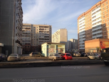 View to: Vikulova street, 61/4; Repina street, 97; Repina street, 99. Yekaterinburg (Sverdlovskaya oblast)