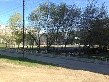 View to: Angarskaya street, 54а (Школа №122); Angarskaya street, 54. Yekaterinburg (Sverdlovskaya oblast)