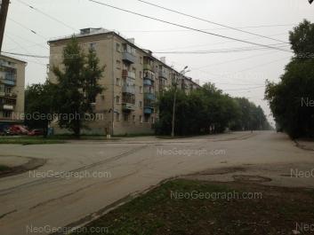 На фото видно: Энтузиастов улица, 44. Екатеринбург (Свердловская область)