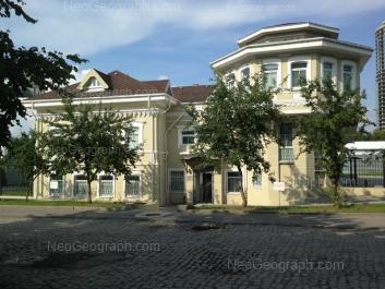На фото видно: Октябрьской Революции улица, 56. Екатеринбург (Свердловская область)