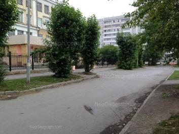 View to: Taganskaya street, 51А; Uliyanovskaya street, 13 (Школа №46). Yekaterinburg (Sverdlovskaya oblast)