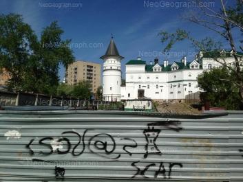 На фото видно: Бисертская улица, 10; Бисертская улица, 12; Бисертская улица, 12в. Екатеринбург (Свердловская область)