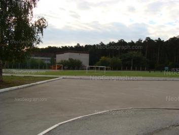 На фото видно: Денисова-Уральского бульвар, 3. Екатеринбург (Свердловская область)