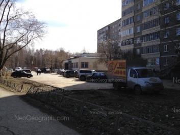 На фото видно: Пехотинцев улица, 18; Софьи Перовской улица, 119. Екатеринбург (Свердловская область)