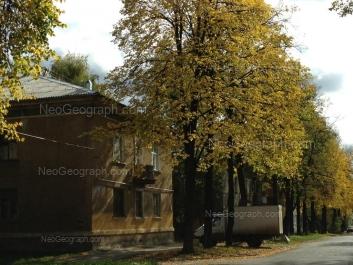 На фото видно: Калинина улица, 56; Калинина улица, 58. Екатеринбург (Свердловская область)
