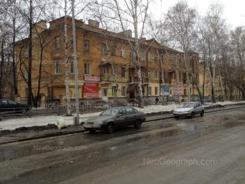 На фото видно: Бабушкина улица, 23; Бабушкина улица, 25; Баумана улица, 12. Екатеринбург (Свердловская область)